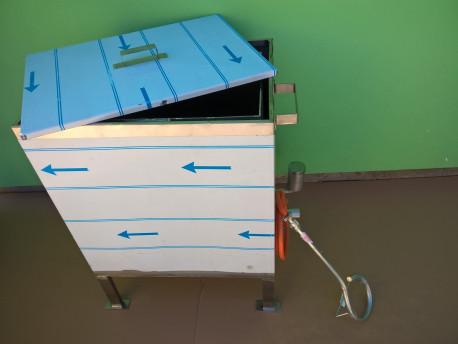 Keretes viaszolvasztó doboz