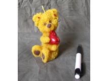 Sviečka Medvedík so srdcom