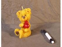 Kis medve szívvel gyertya