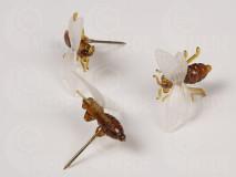 Špendlík - včela