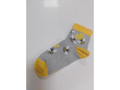 Női zokni, méh minta szürke színben