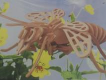 Puzzle drevená včela