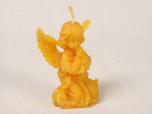 Sviečka anjel na kolenách z včelieho vosku